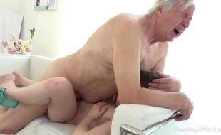 Novinhas incesto vídeo de avô comendo neta safadinha