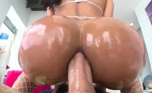Pormo HD sexo anal com morena cavalona que adora pica grossa
