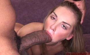 Ver filme pornô de dotadão negro comendo ninfeta loirinha