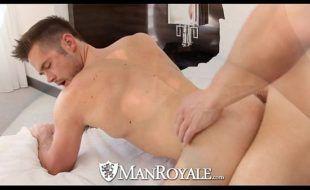 Porno gay gratis com homens deliciosos fodendo pelados