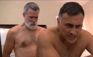 Porno gay xvideos com dois velhos héteros transando