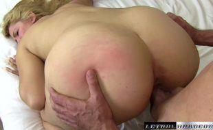 Baixar vídeo pornô de mulher rabuda gostosa dando a xoxotinha