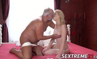Sexo com loiras padrasto comendo enteada novinha deliciosa