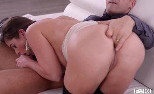 Porno HD gostoso com peituda deliciosa fazendo anal