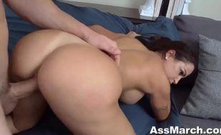 Xvidios porno com morena cuzuda sendo dominada