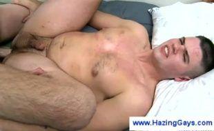 Boys na web vídeo com dois veados dando pela primeira vez