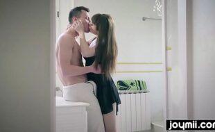 Video de sedo novinha de vestido curto dando a sua bucetinha