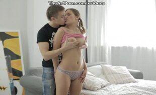 Video sexo xx safadinha ganhando pirocada