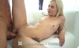 Video de sexo foda boa loirinha magrinha metendo