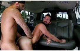 Sexo hotboys tarados transando no carro