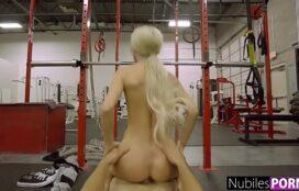 Assistir vídeo de sexo selvagem com a bela loira na academia sendo fodida no talo