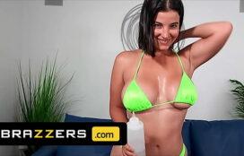 Brazzers filmes porno gostosa metendo muito com o safado