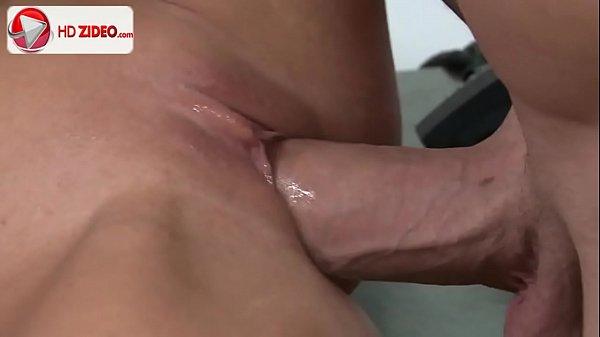 Filme de atriz pornô gulosa tomando pau na buceta